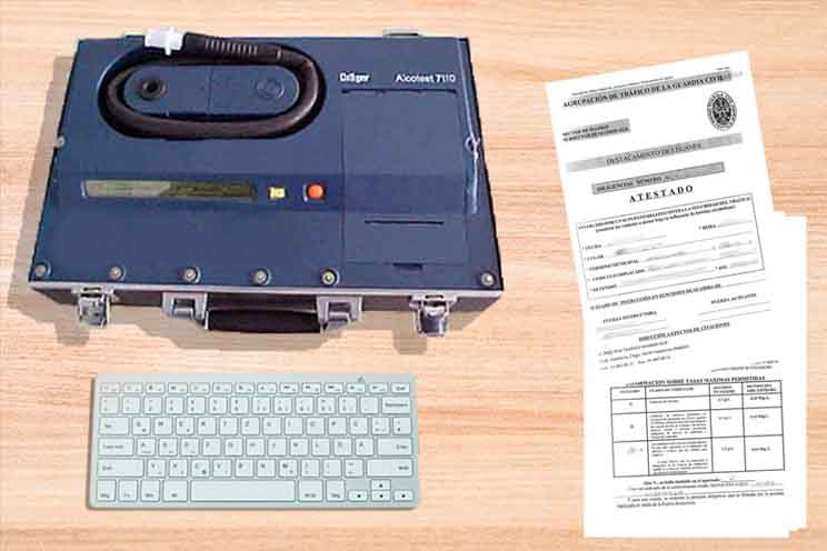 Dräger modelo alcotest 7110 para practicar la prueba da alcoholemia como etilómetro evidencia