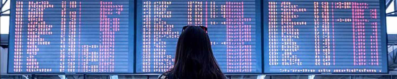 inmigrante en aeropuerto